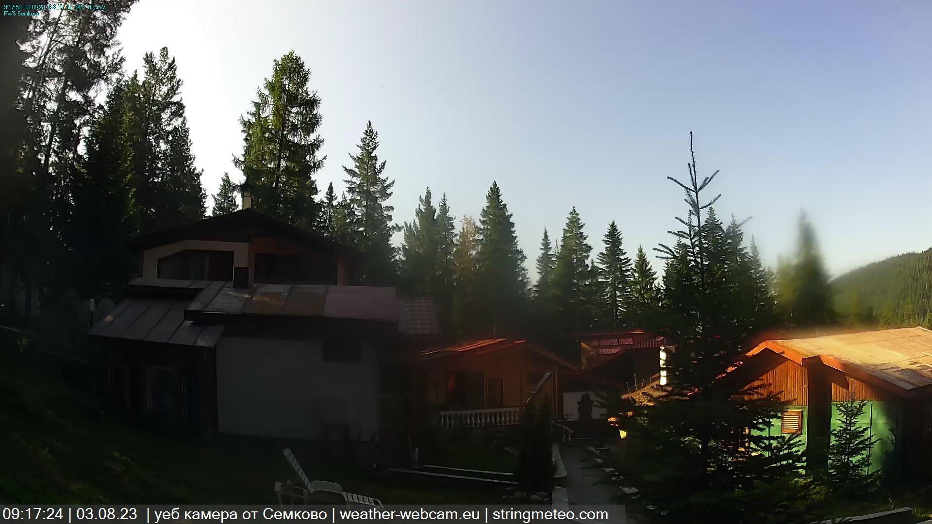 Семково времето уеб камера от вилно селище 'Света Гора', местност в планински и ски курорт в Рила планина, на 16 км. северно от гр. Белица